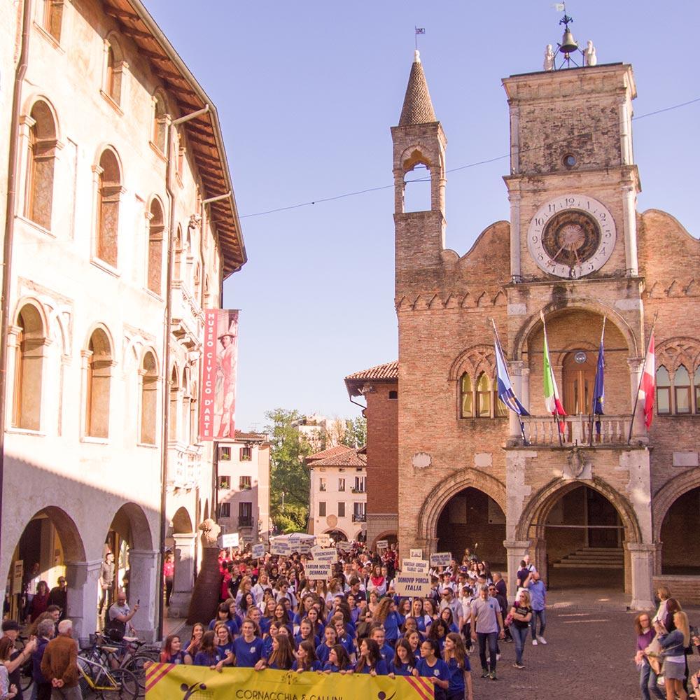 pordenone city center during parade of kids
